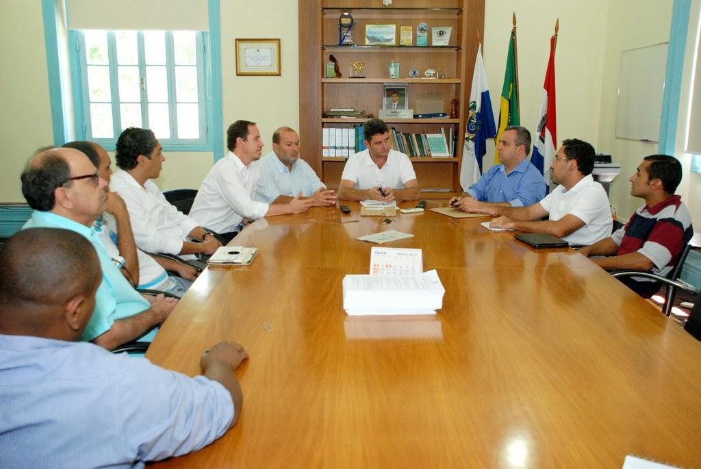Areli recebe em seu gabinete o secretário nacional de Esporte, Educação, Lazer e Inclusão Social, Ricardo Cappelli, e o ex-futebolista Roger Noronha, para tratar da inclusão de programas esportivos-sociais  no município