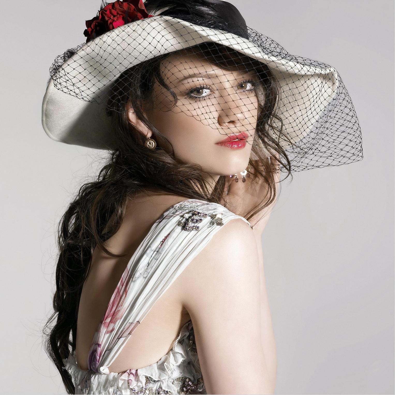 http://4.bp.blogspot.com/-M4crt9HnUvs/Tuv8BZQ7aXI/AAAAAAAADPI/xMVvO0-cSkM/s1600/Hilary_Duff_8.jpg