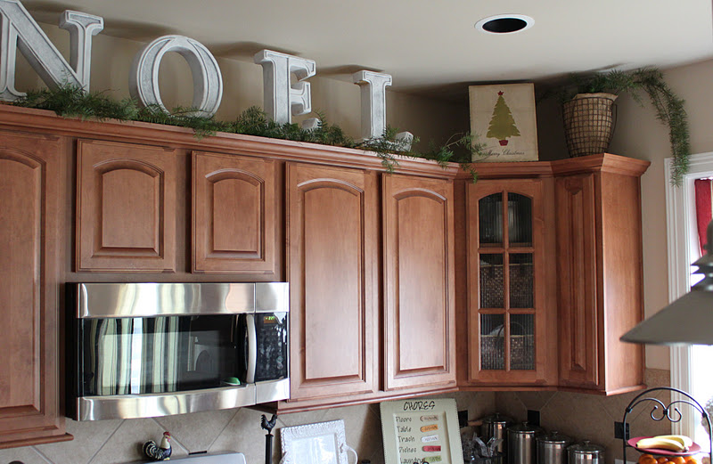 Kitchen Cabinets Ideas christmas decorating above kitchen cabinets : Ideas For Decorating Above Kitchen Cabinets For Christmas - Sarkem.net