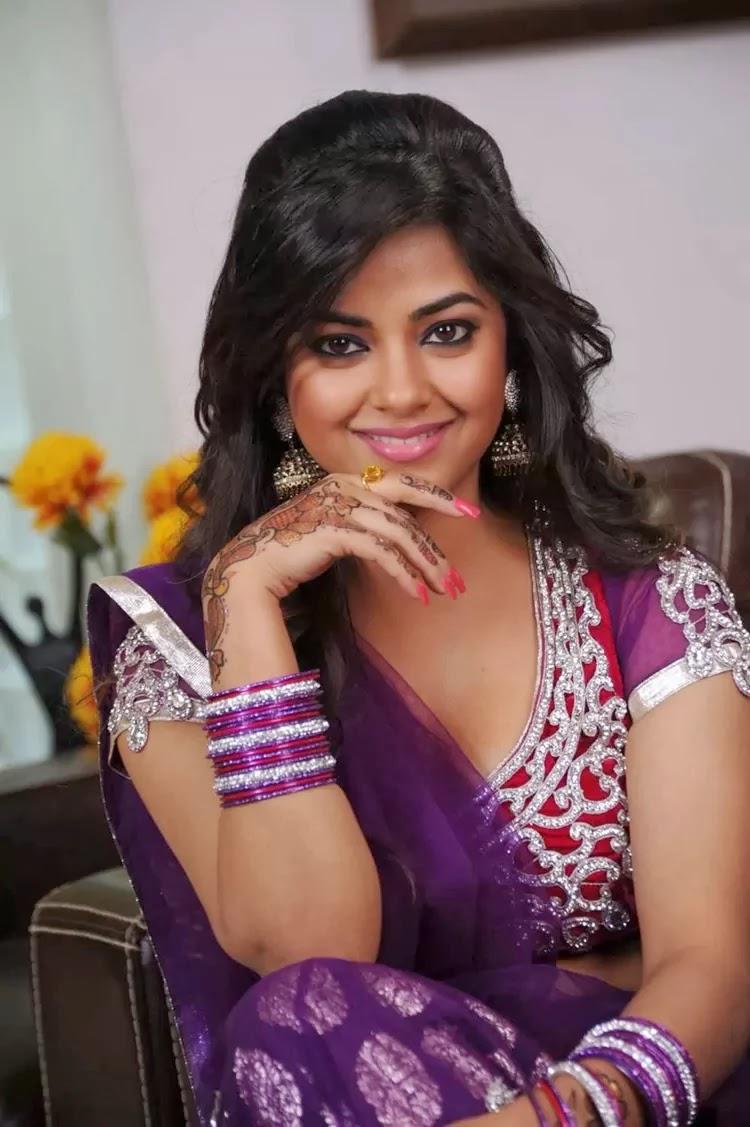 Meera chopra hot wallpapers — Entertainment Exclusive Photos