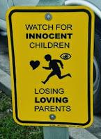 Η Εξουδετέρωση της Αγάπης στις σχέσεις των Γονέων-Παιδιών είναι Κακοποίηση Παιδιών που γράφεται με κεφαλαία γράμματα.
