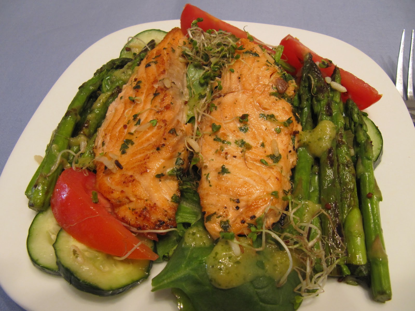 Cookin' in Anne's Kitchen: Pan-Seared Salmon and Asparagus Salad with...