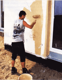 Покраска стены снаружи