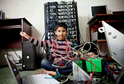 http://4.bp.blogspot.com/-M5VJJaVKw5w/VGpVwUDisvI/AAAAAAAANtk/pYnt9EXIUJY/s1600/Ayan-Qureshi-The-Youngest-Computer-Specialist-In-The-World-2014-AlabamaU2.jpg