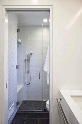 white-bath-idea-Net-Zero-Energy-Modern-House