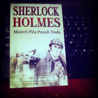 Buku Sherlock Holmes: Misteri Pita Penuh Noda