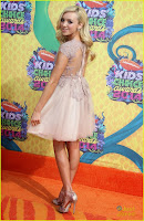 peyton list kelli berglund pretty in pink at kids choice awards 201401.jpg