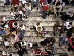 Estou sozinha na multidão