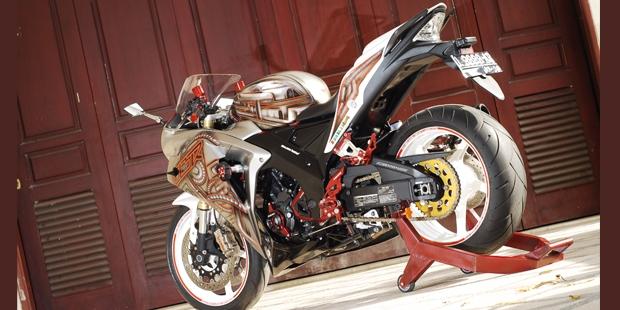Honda-CBR-250-modif.jpg