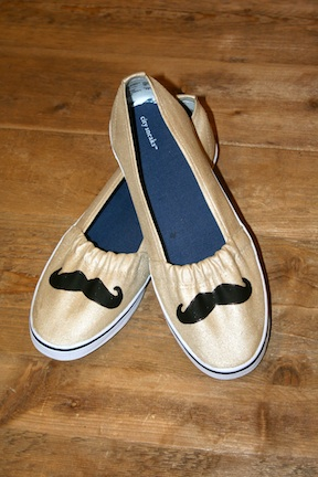 Show Me Cute Mustache Shoes