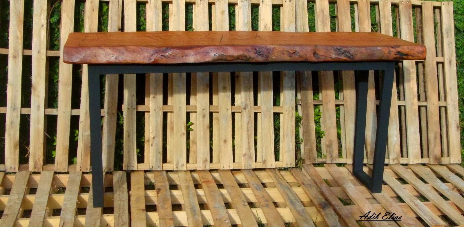 madeira reciclada de jacarandá aparador de madeira reciclada e ferro  #A1772A 1600x783