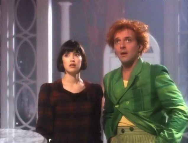 Phoebe Cates and Rik Mayall in Drop Dead Fred
