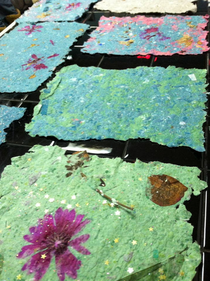 Make Paper from Recycled Materials | Learn the Art of Recycle