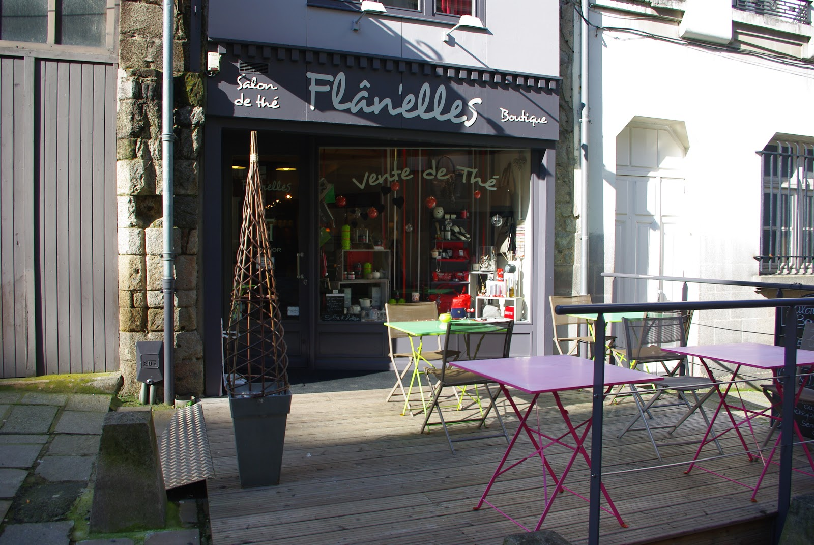 Bienvenue chez fl n 39 elles salon de th boutique for Salon limoges