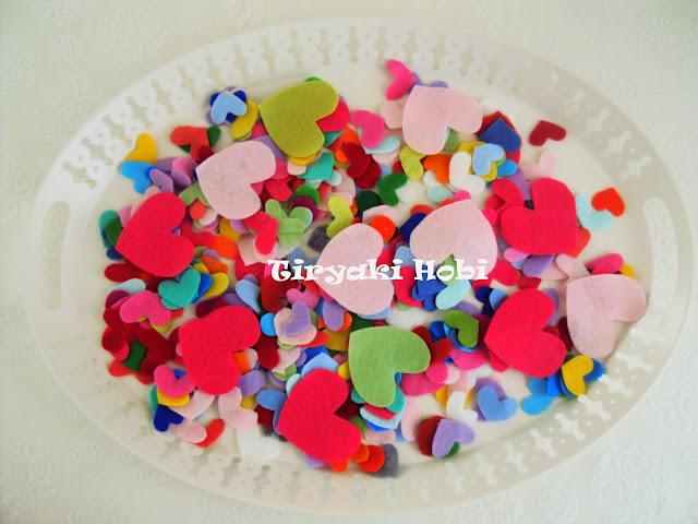 Çok cici bi hediye renk renk kalpler eğer benim olsun diyorsanız