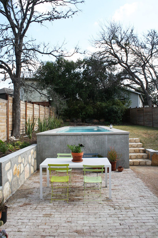 A cozy modern home in Texas © Adrienne Breaux via @apttherapy