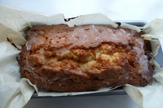 Lemon drizzle cake