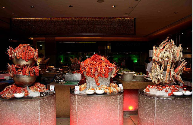 Mad for Lobster Night at EDSA Shangri-La's Heat