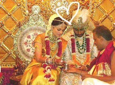 Henna designs aishwarya rai wedding henna pictures for Aishwarya rai in her wedding dress