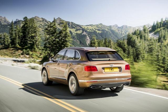 Portón trasero del nuevo SUV de Bentley