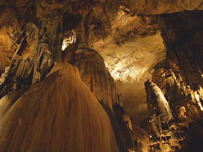 Grottes de la Madelaine
