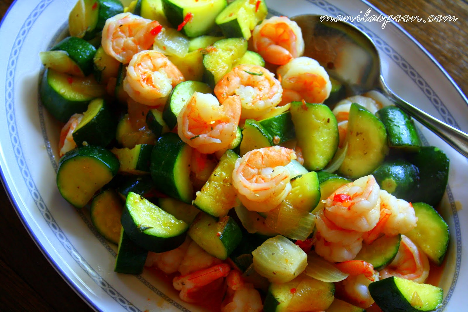 ... and SPICY SHRIMP and ZUCCHINI STIR-FRY! Quick and easy deliciousness