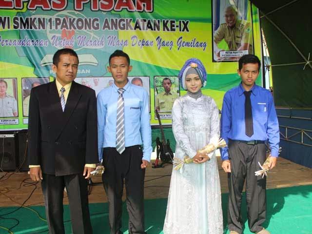 Siswa-siswi Terbaik SMKN 1 Pakong 2015