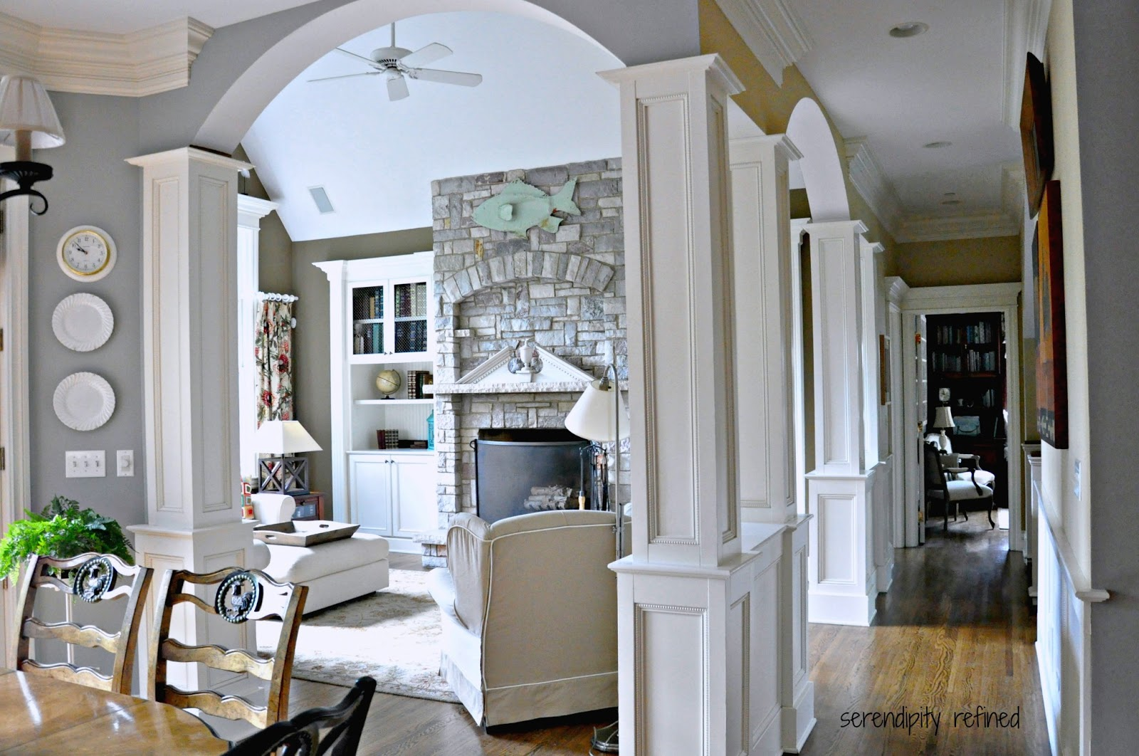 Arches and columns on pinterest columns interior for Family room columns