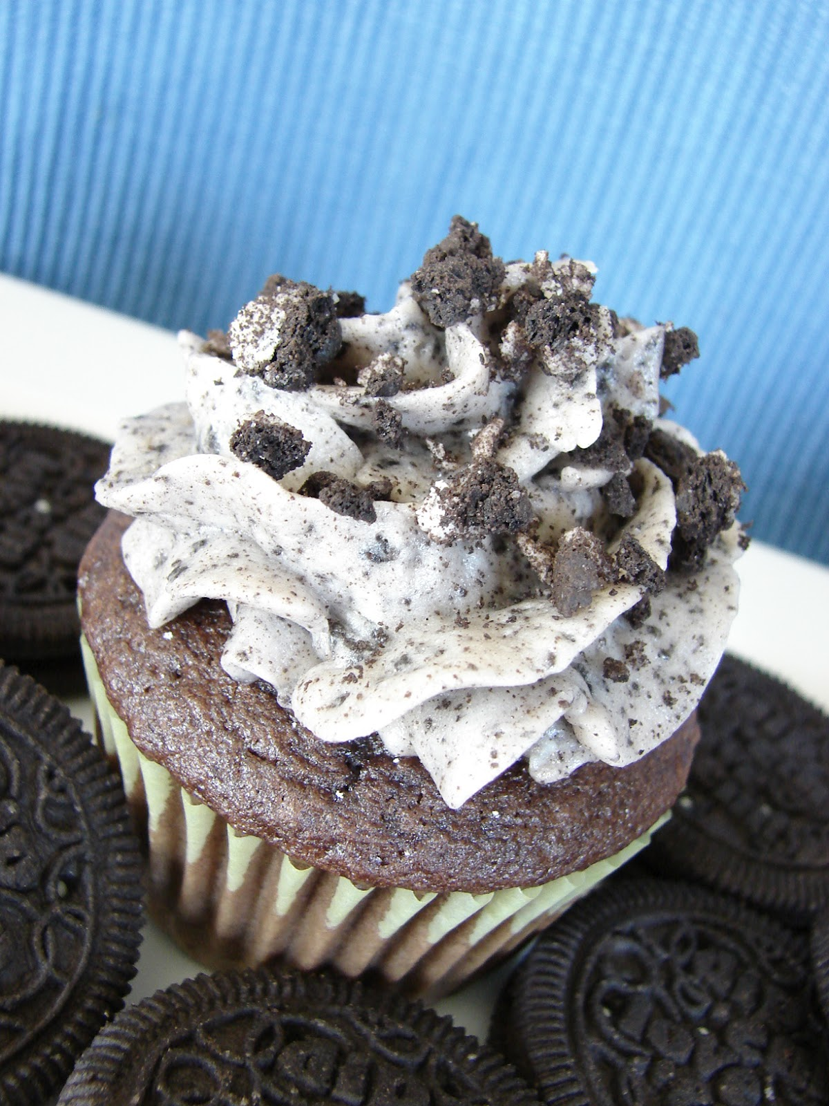 The Royal Cook: Cookies and Cream Frosting