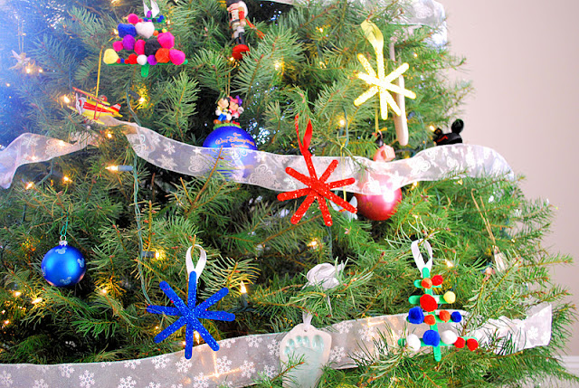 christmas ornaments made by kids, popsicle stick ornaments