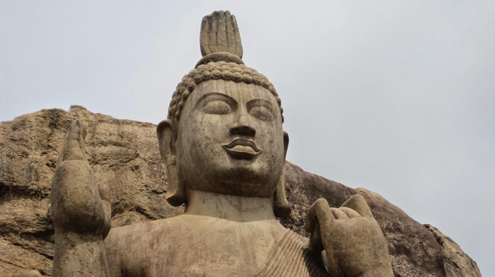 Buda de Aukana (Sri Lanka)