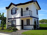 modelo casa dos pisos colores blanco y negro
