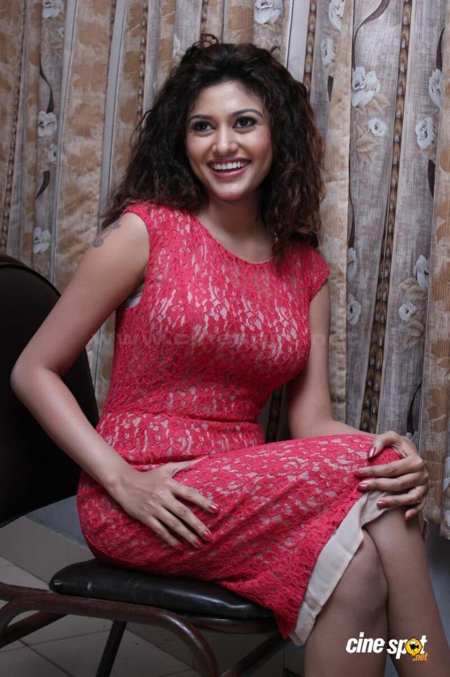 oviya hot navel show pics photos in saree mallufun