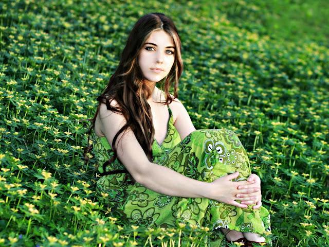 Fotos de bonitas mujeres en el campo flores pictures - Fotos de flores bonitas ...