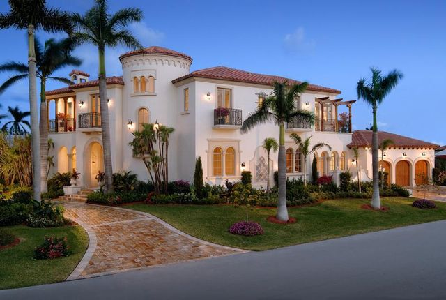 Fancy half bathrooms - Homes And Mansions Mediterranean Mansion For Sale In Delray Beach Fl