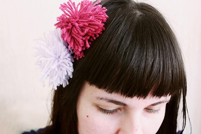 pom pom hair accesory
