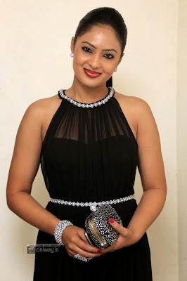 Nikeesha Patel Latest Stills
