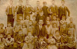 Alumnos del Colegio El Cristo. Año 1905