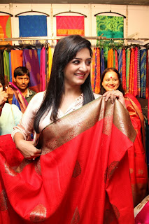 Vimka Raman looks beautiful at Trendz store launch Hyderabad