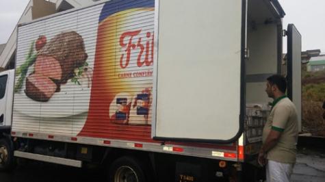 Caminhão da Friboi carregado com maconha avaliada em R$ 232 mil