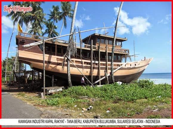 Tana Beru Surga Pembuat Kapal Phinisi
