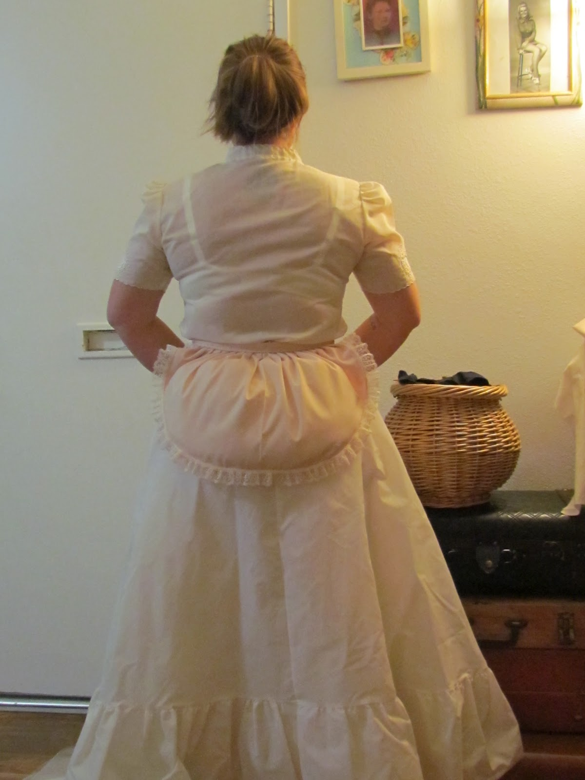 Craft Fiend Passable Victoriana DIY Bustle Skirt