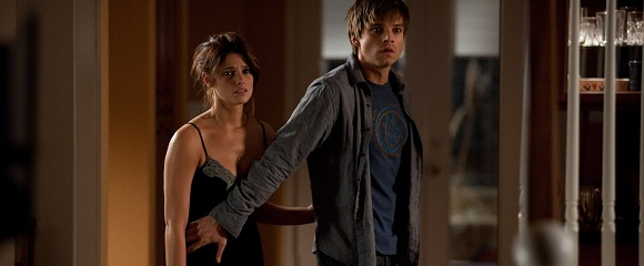 Ashley Greene e Sebastian Stan em A APARIÇÃO (The Apparition)