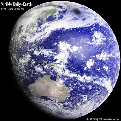 Indonesia dilihat dari luar angkasa
