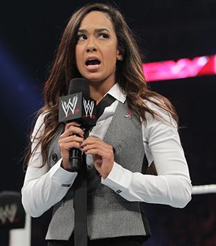 Aj Lee anunciando su retiro en la WWE sobre el ring, bella Aj Lee se fue de la WWE