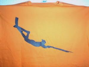 t-shirt logo ψαροντουφεκάς