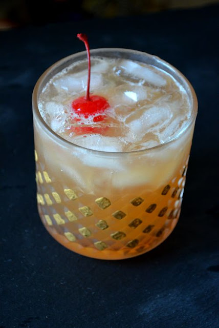 Easy Whiskey Sour Cocktail Recipe