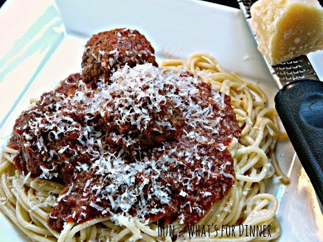 http://www.hunwhatsfordinner.com/2013/10/homemade-meatballs-and-pasta-sauce.html