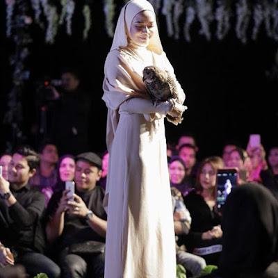 Nora Danish Dikecam Kerana Gayakan Pakaian Ala Rahib