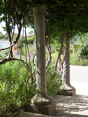 colonnes, taille de pierre, millénium, antananarivo, tananarive